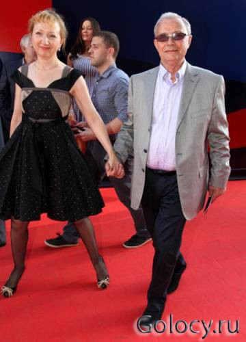 На фотографии Лев Прыгунов со своей женой Ольгой